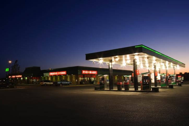 Los carburantes bajan tras cinco semanas de subidas