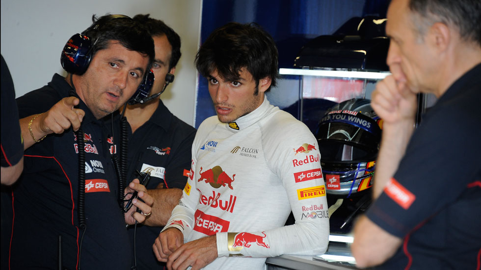 Ricciardo y Sainz Jr marcan el ritmo en los tests del jueves en Silverstone