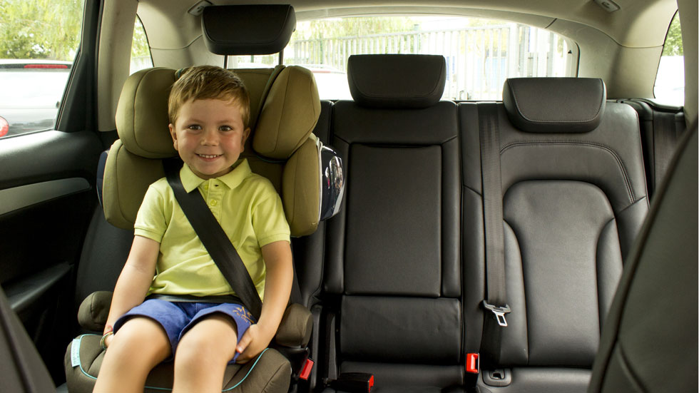 Cinturón y sillitas infantiles, prioridad de la DGT para la ciudad