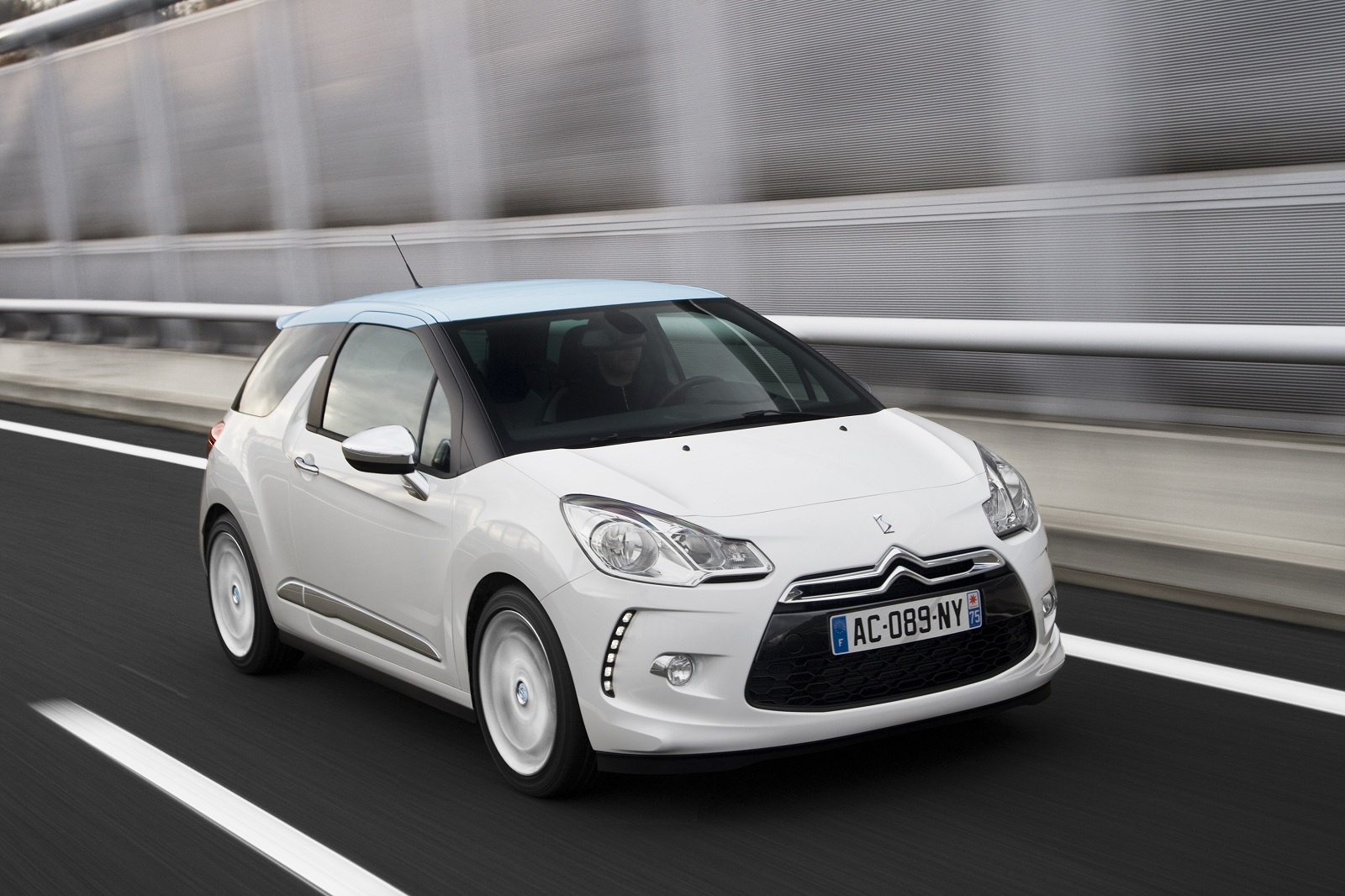 Citroën no paralizará sus proyectos en España