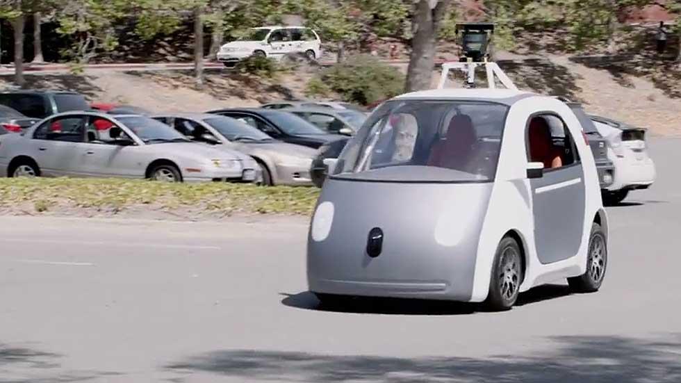 El coche autónomo de Google ya rueda. Vídeo