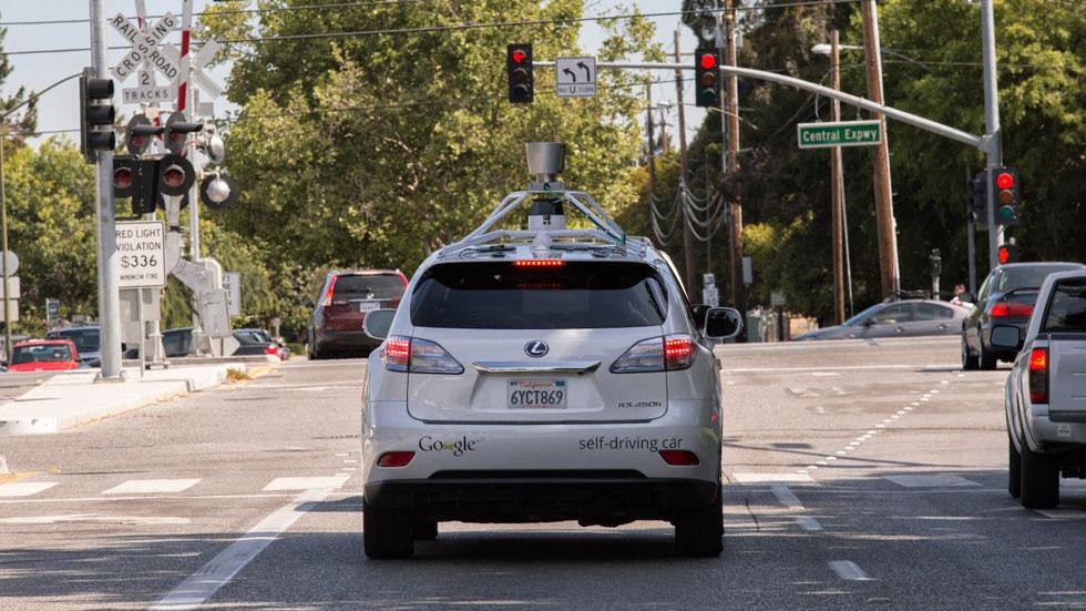 Primeros heridos por un accidente del coche de Google