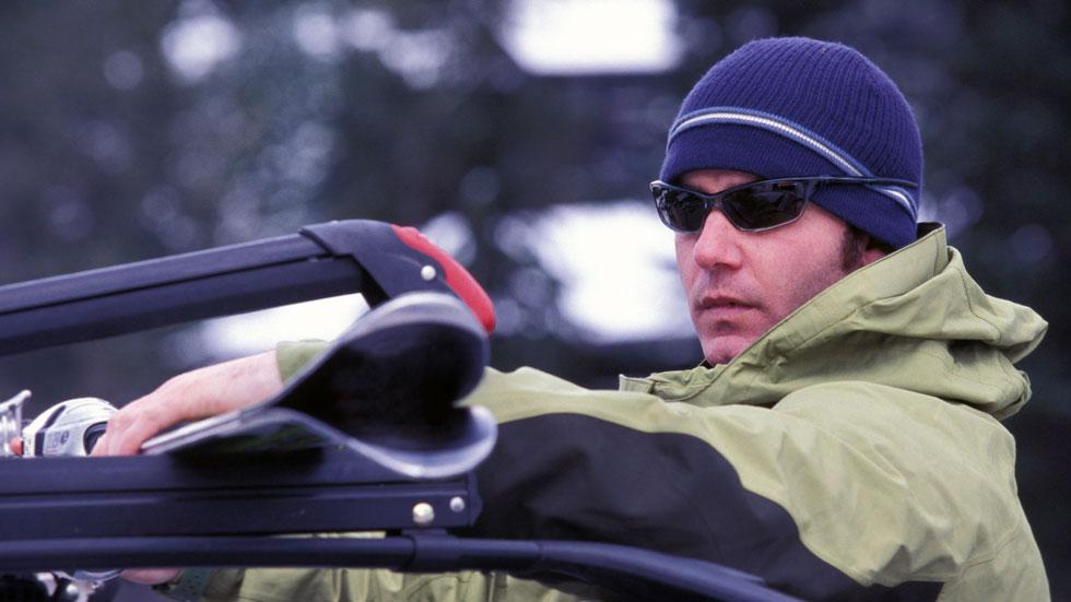 Cómo transportar correctamente los esquís en el coche