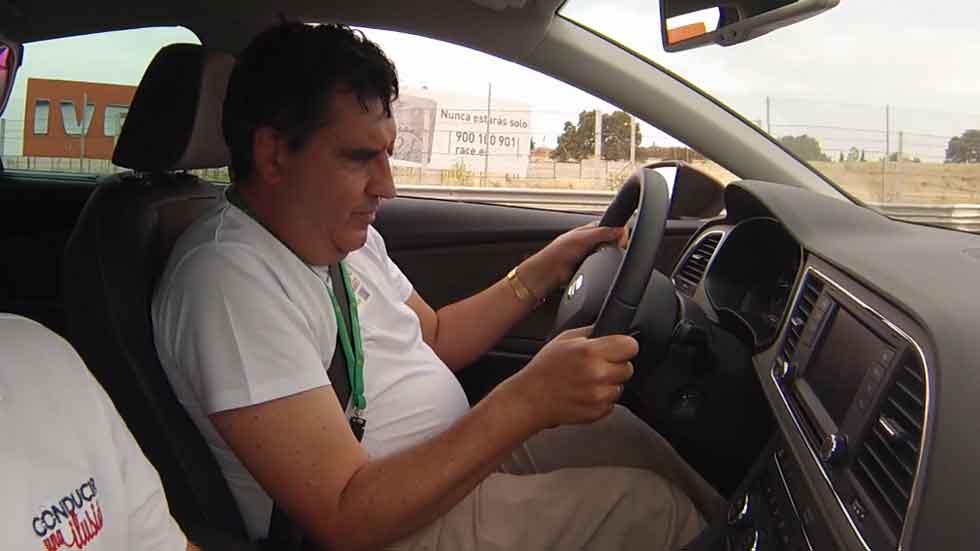 Estas son las sensaciones de una persona ciega al conducir un coche (Vídeo)