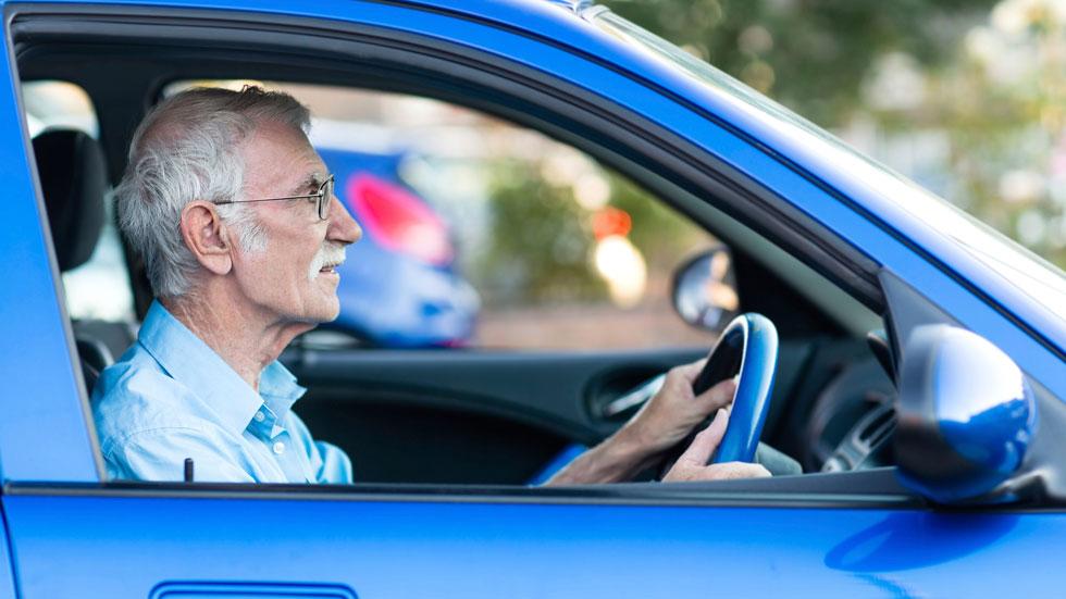 Los mayores de 64 años, ¿peligro para la conducción?
