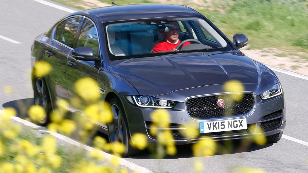 Primera prueba: Jaguar XE, un turbo que vale 240 caballos