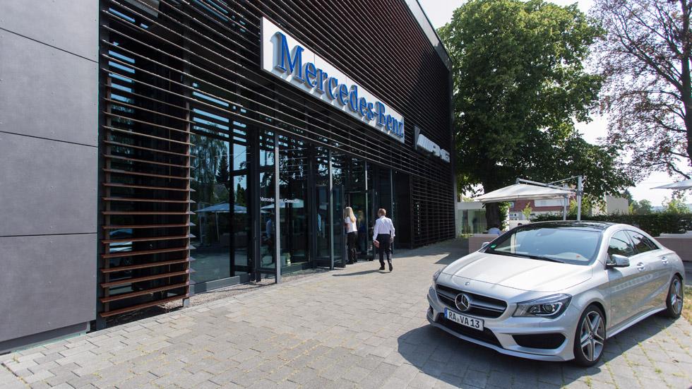 Daimler comienza a vender coches por Internet