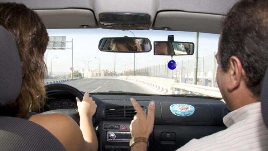 La DGT podría subir la edad mínima para conducir