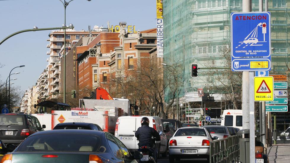 Semáforos con cámara en Madrid, ¿dónde están?