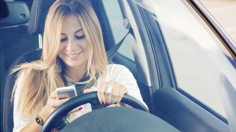 Drive, el dispositivo que mantendrá tus manos en el volante