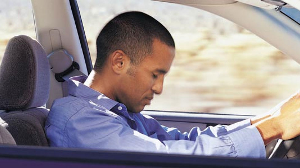 Siete de cada diez españoles se han quedado 'dormidos' al volante