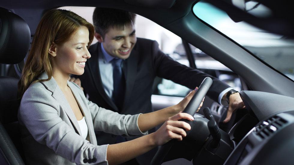 El descuento medio en la compra de un coche nuevo es de 4.377 euros