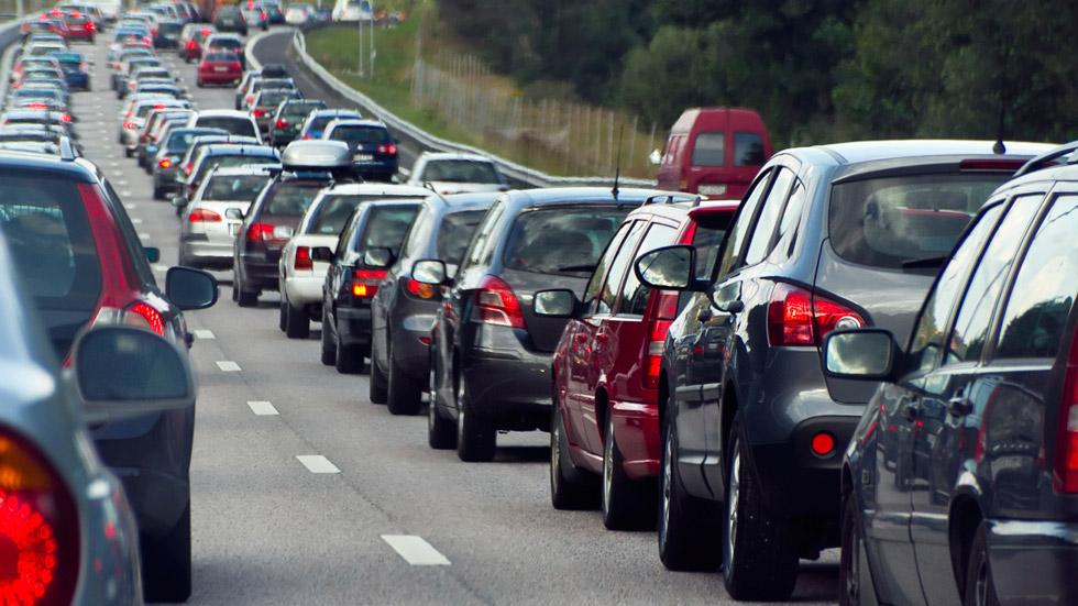 La mitad de los españoles ha sufrido alguna colisión en un atasco repentino