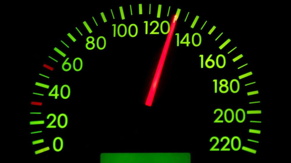 Exceso de velocidad y frenazos bruscos, las incidencias más comunes en España