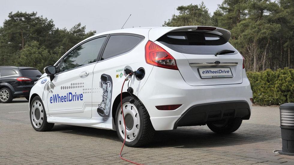 Ford Fiesta eWheelDrive, el futuro para ahorrar combustible y espacio