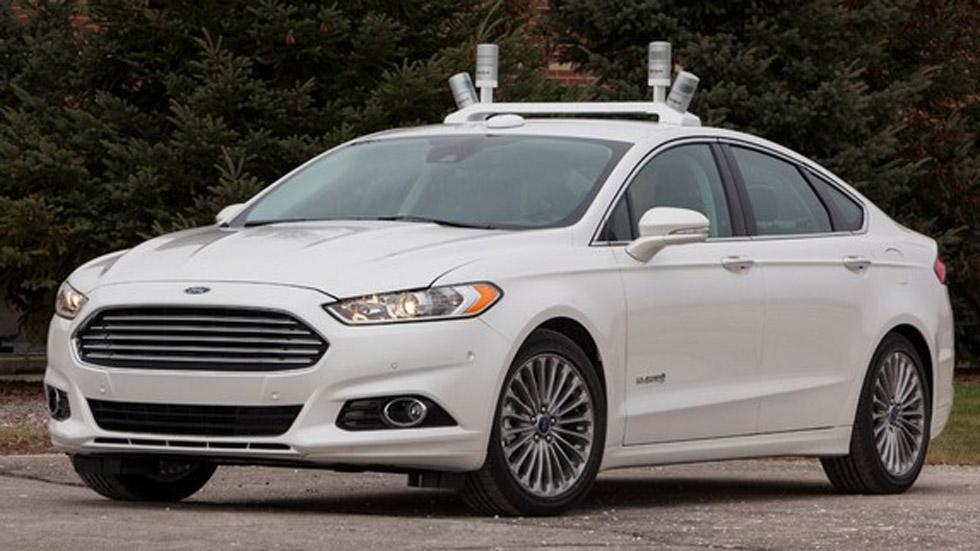 Ford Fusion Híbrido automatizado: el coche que lee la carretera