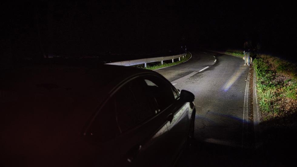 Sistema de detección de peatones en la oscuridad de Ford, que se haga la luz