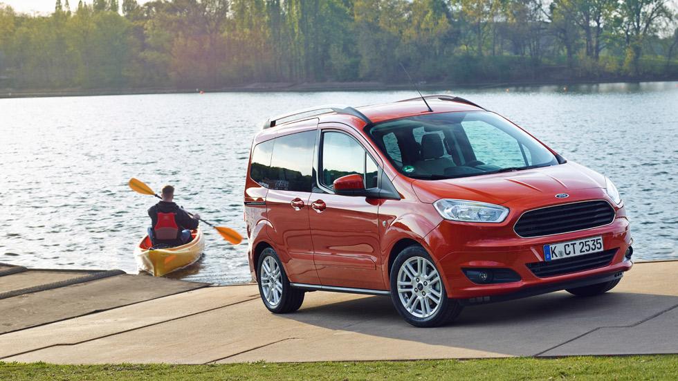 Ford Tourneo Courier 2014, más eficiencia y espacio