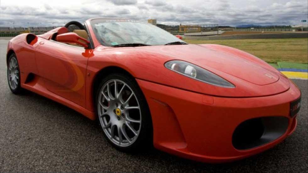 Ganador del concurso  'Transformers y Autopista.es te invitan a conducir un Ferrari'