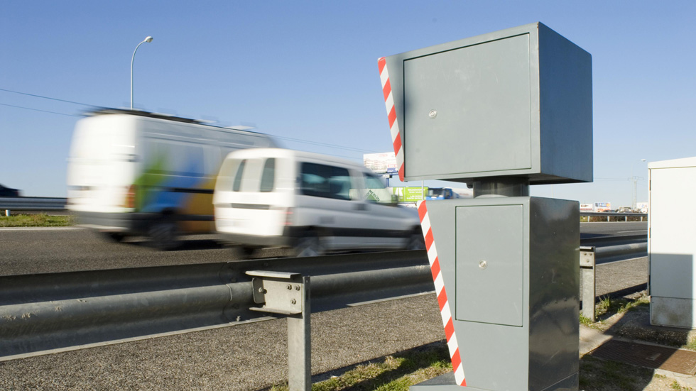 Habrá radares específicos para furgonetas y camiones
