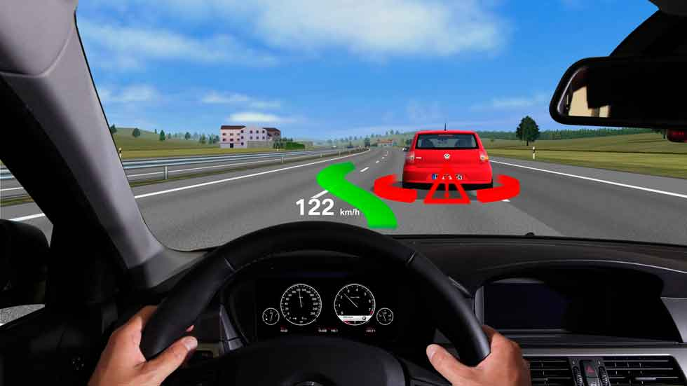 El Head-Up Display, una distracción cuando conduces