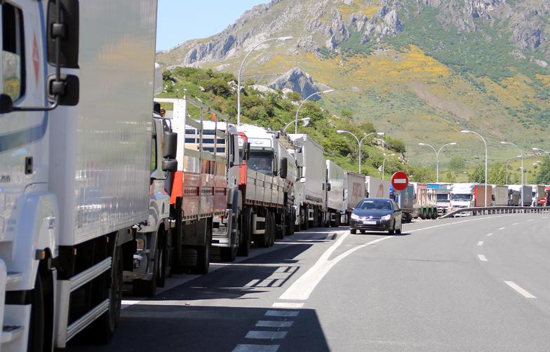 Huelga del transporte por carretera para marzo
