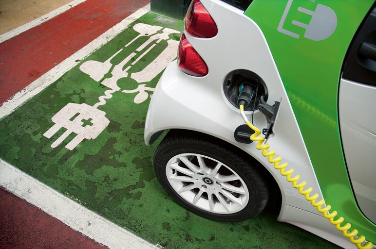 La industria del coche eléctrico pide más ayudas fiscales