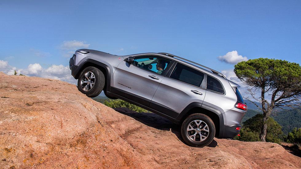Contacto: Jeep Cherokee, off road de etiqueta