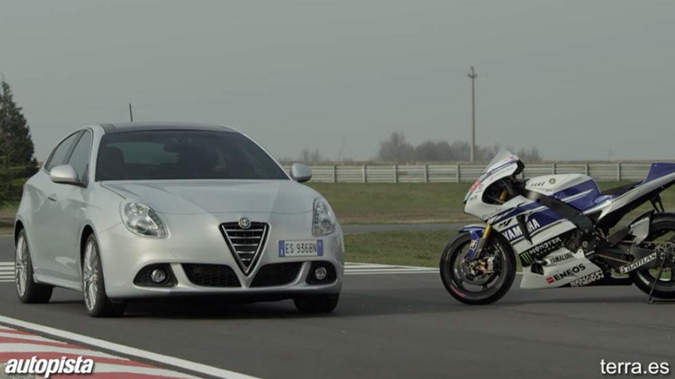 Videonoticia: Jorge Lorenzo se divierte con el Alfa Romeo 4C y el Giulietta