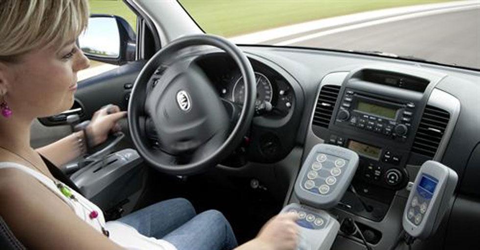 Joystick en vez de volante para personas con movilidad reducida