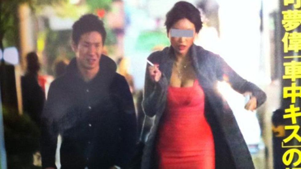 Kamui Kobayashi ahoga penas con el cigarrillo
