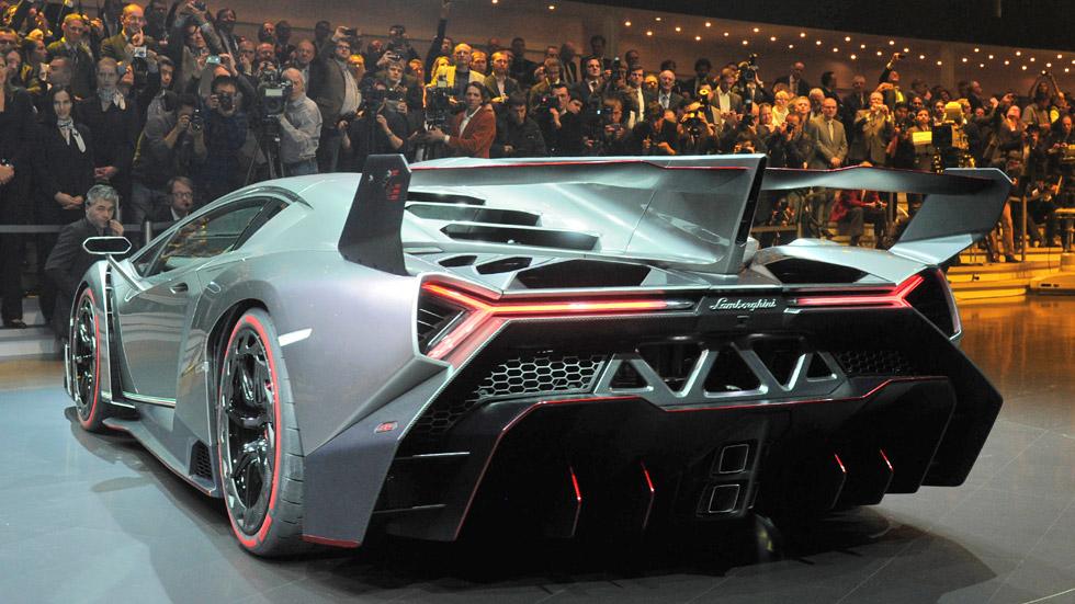 Lamborghini Veneno, siente su embestida de 750 CV