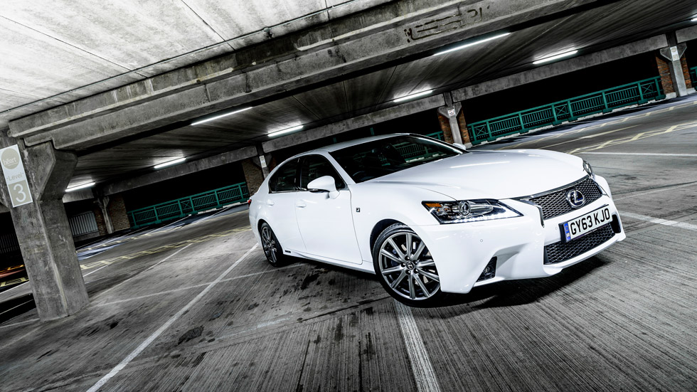 Lexus GS 450h 2014, más seguridad al mismo precio