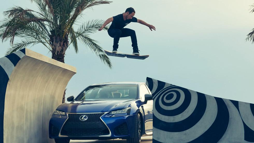 Lexus Hoverboard, el monopatín del futuro ya vuela (vídeo)