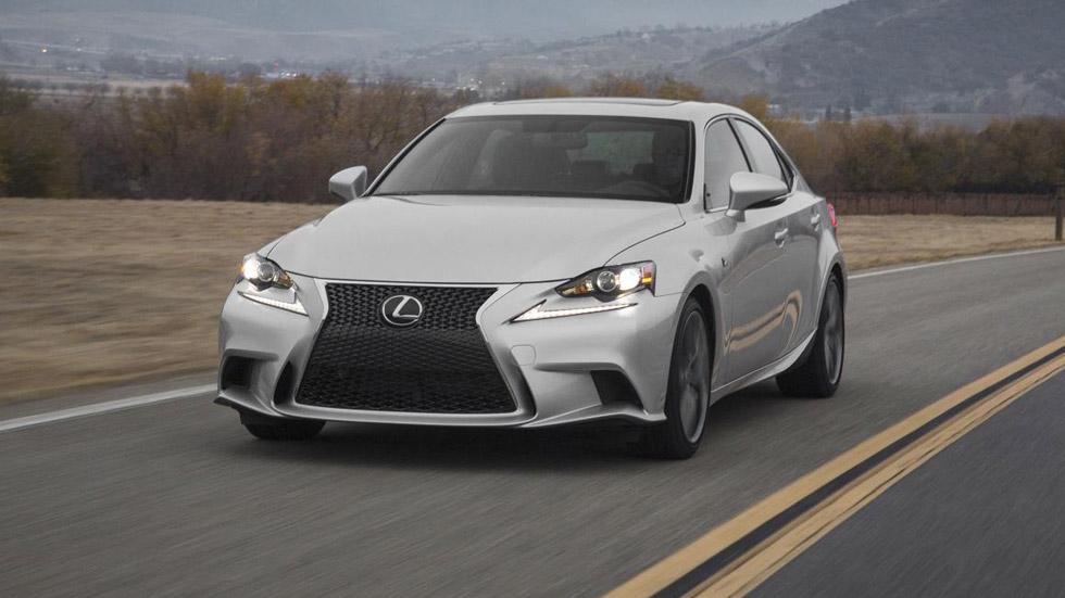 Lexus IS 2015, ligeros retoques para la berlina nipona