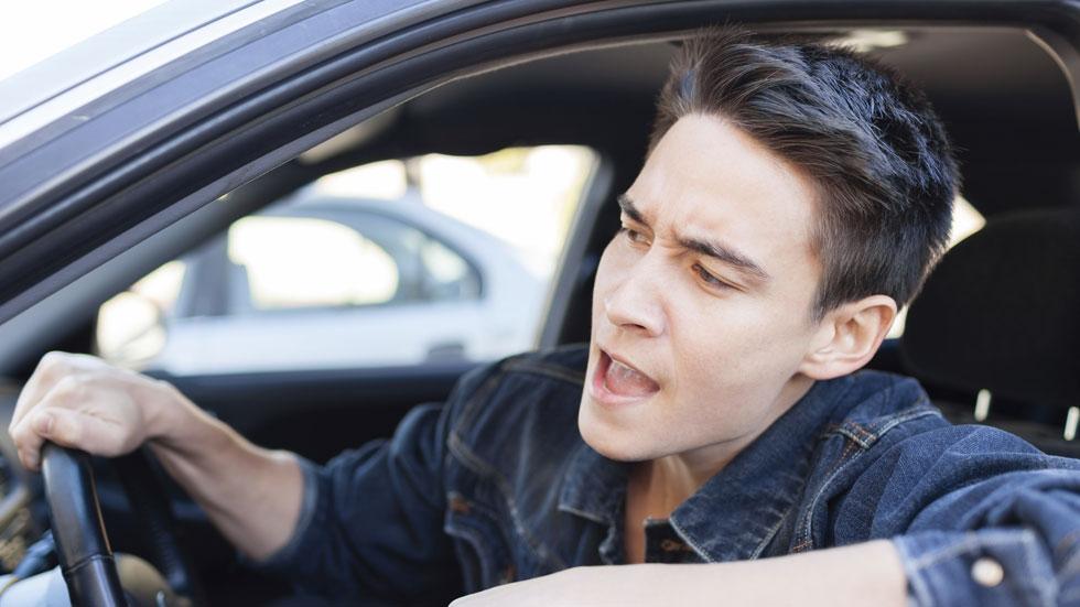 Los españoles, los que más insultamos al volante