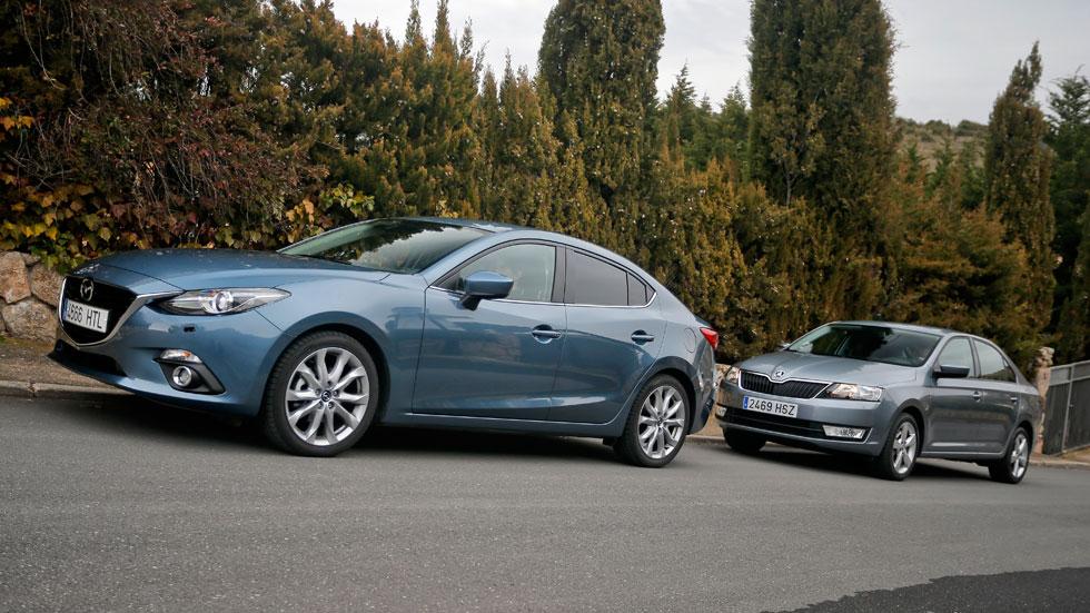 Comparativa: Mazda 3 SportSedán 2.0 Skyactiv-G 120 vs Skoda Rapid 1.2 TSI 105