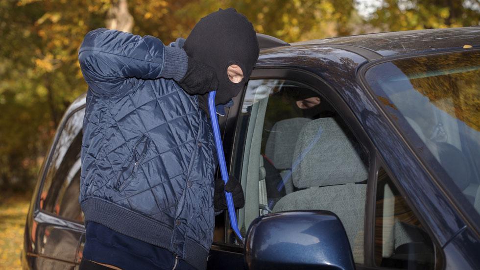Menos robos de coches, los ladrones en crisis