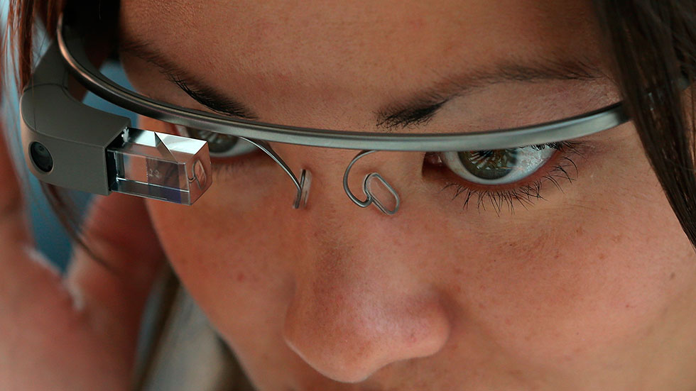 Mercedes-Benz estudia integrar las gafas de Google en sus coches