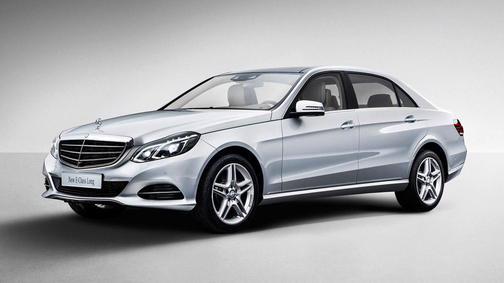 Mercedes Clase E de batalla larga, lujo espacioso
