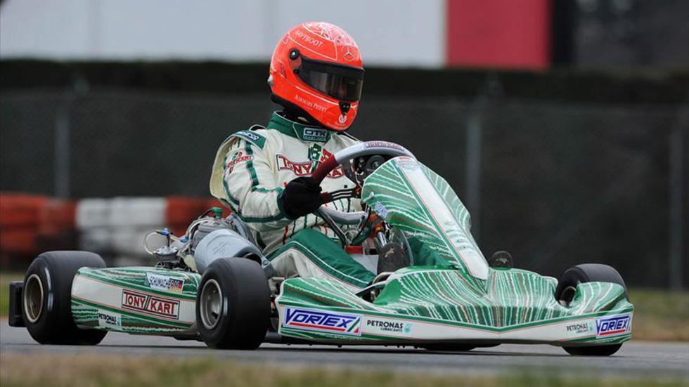 Michael Schumacher correrá en 2013… en kart