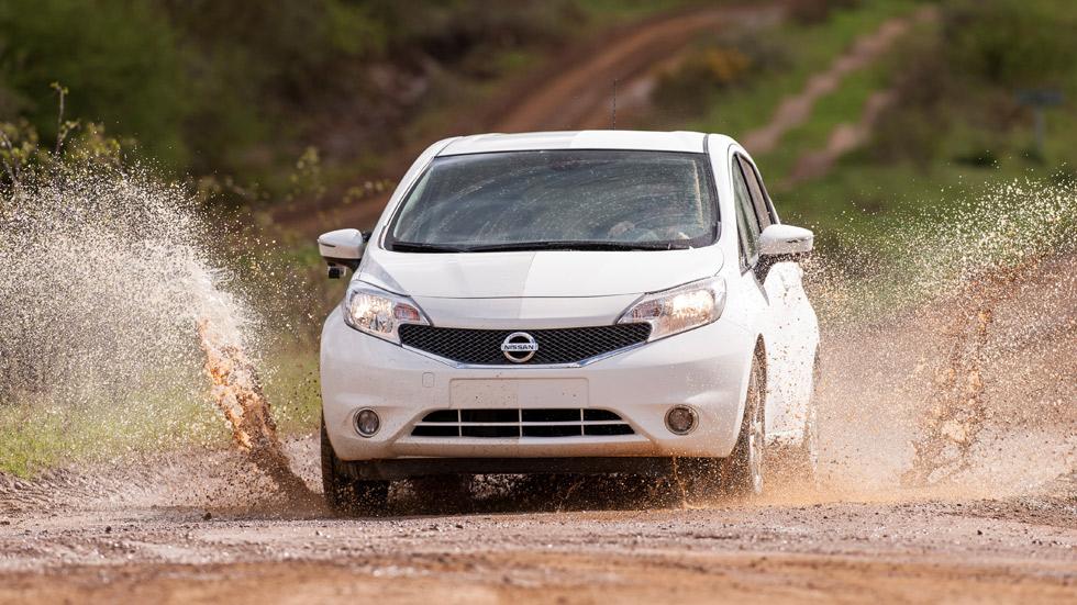 Nissan crea el coche que se limpia solo