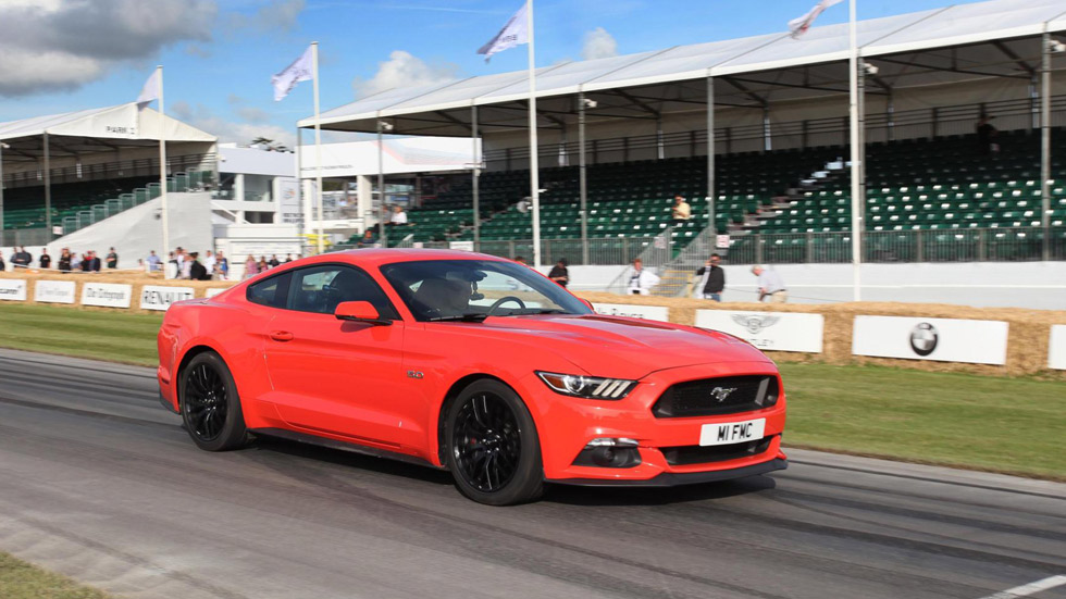Nuevo Ford Mustang: motores y chasis
