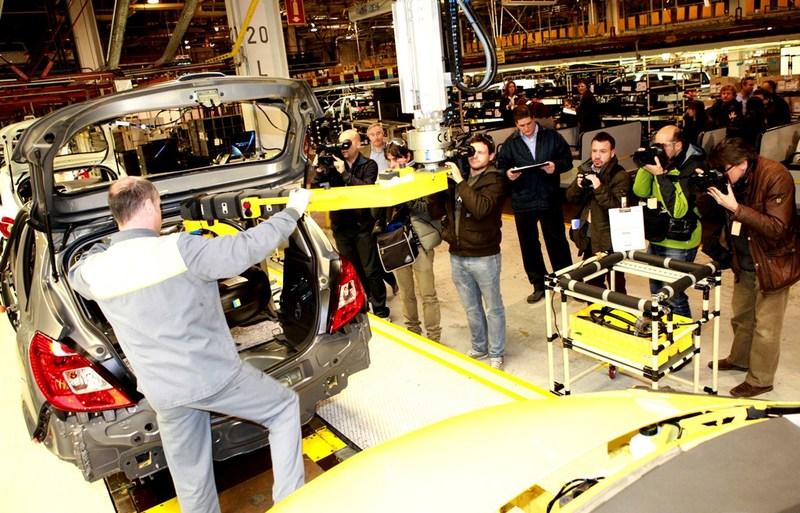 Opel contratará a 350 nuevos ingenieros