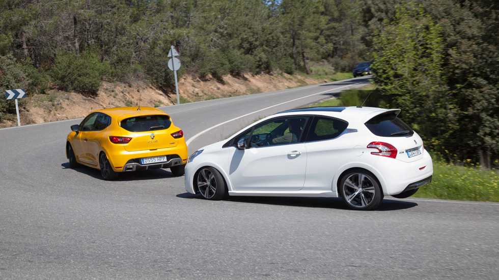 comparativa peugeot 208 gti vs renault clio r s tan fieros como los pintan. Black Bedroom Furniture Sets. Home Design Ideas