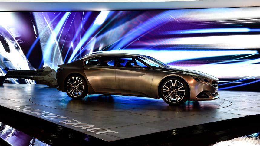 Peugeot Exalt, con piel de tiburón y con destino París