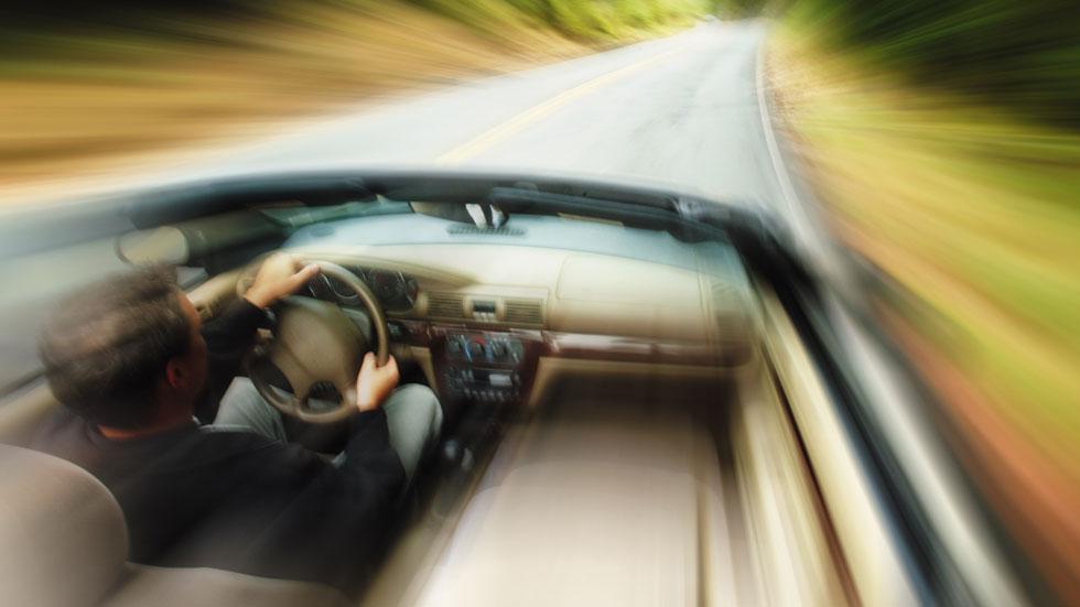 Pillan a un conductor circulando sin carné y a 202 km/h