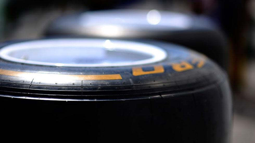 Los pilotos arremeten contra Pirelli tras Silverstone