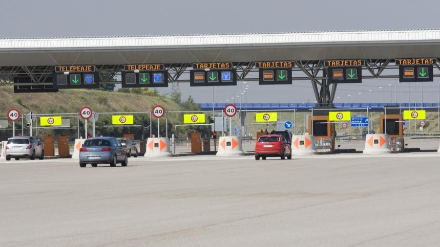 ¿Por qué más de 300.000 conductores españoles no han pagado en los peajes portugueses?