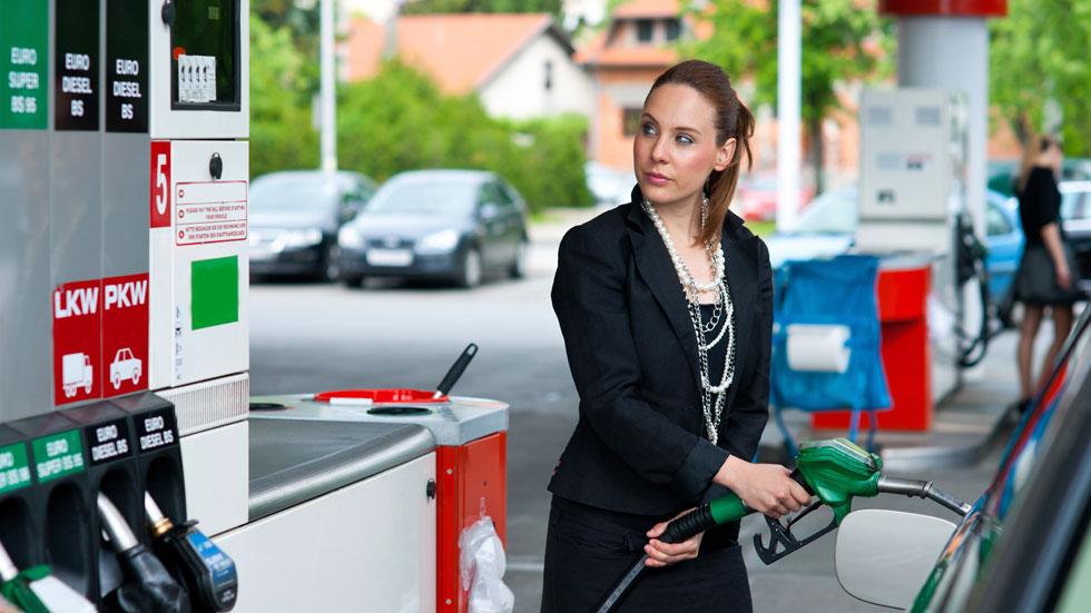 Los precios de los carburantes vuelven a bajar en Navidad